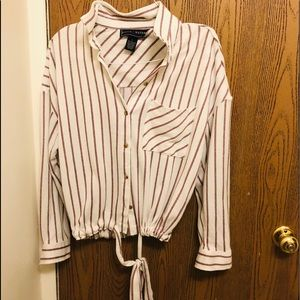 Button Down Top with Tie